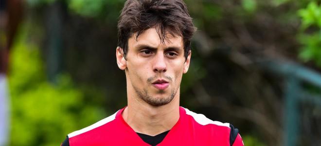 Милан вступает в борьбу за защитника Сан-Паулу